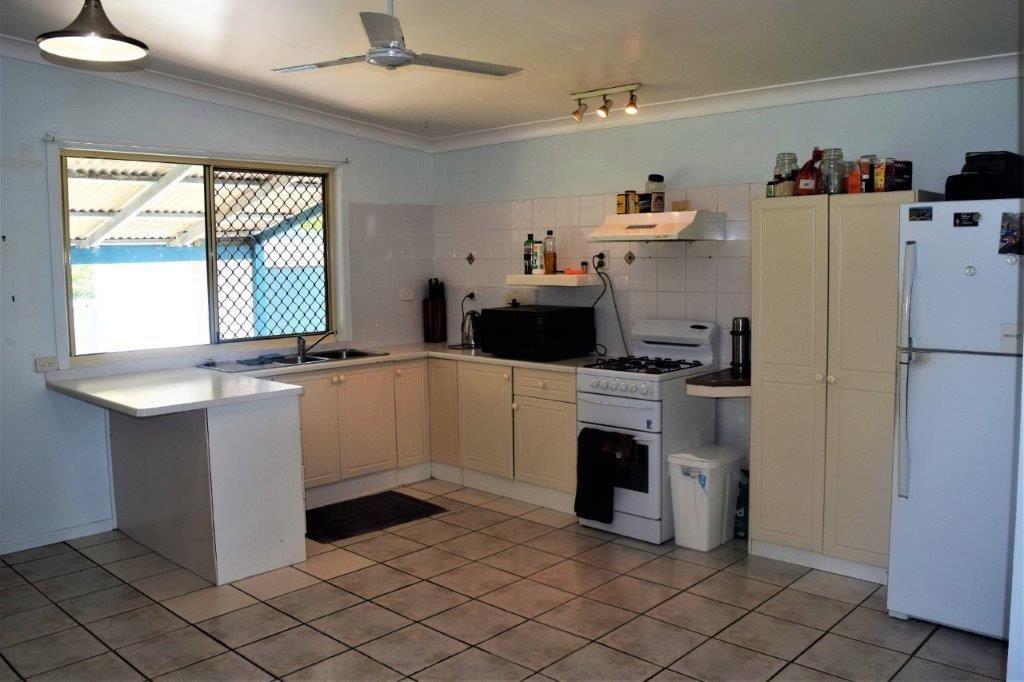 9 Aldridge Street, Burnett Heads QLD 4670, Image 2