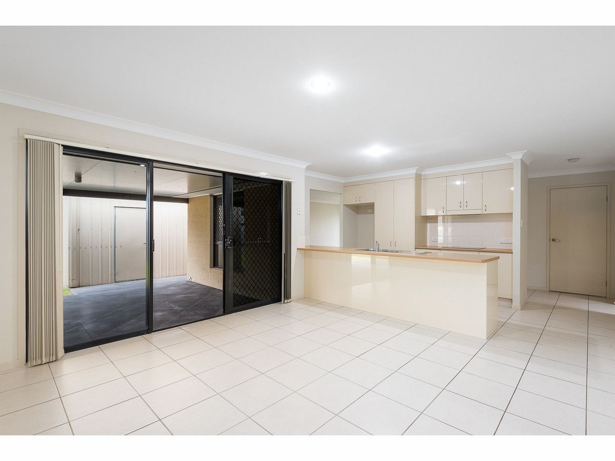 6 Henna Place, Heritage Park QLD 4118, Image 1