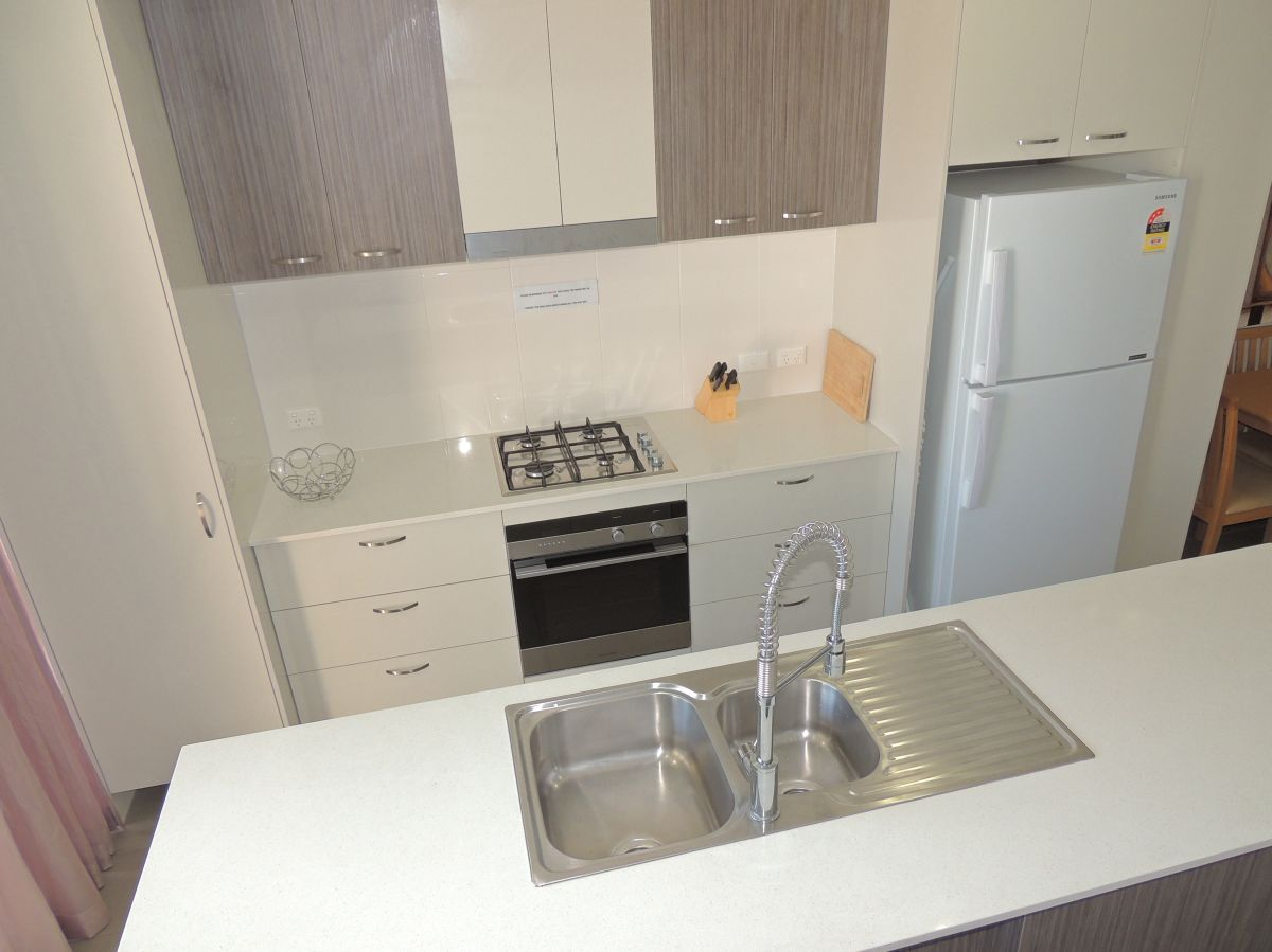 12 Central Lane Apartments, Gladstone Central QLD 4680, Image 2