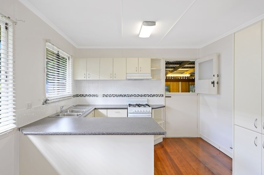 33 Hathway Street, Mount Gravatt East QLD 4122, Image 1