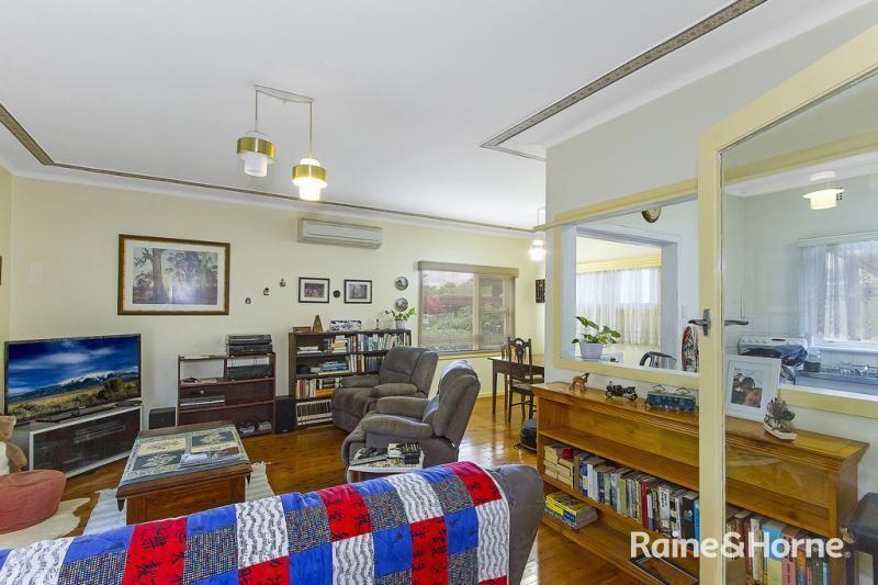 1 Sinclair Street, Gosford NSW 2250, Image 2
