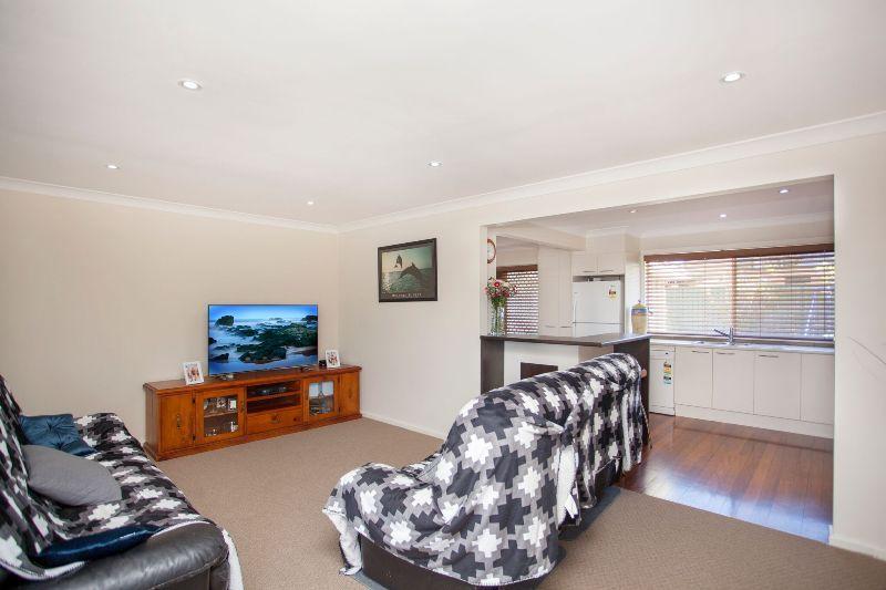 8 Wootton Crescent, Taree NSW 2430, Image 2