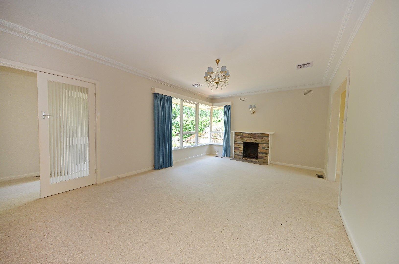 29 Viewpoint Avenue, Glen Waverley VIC 3150, Image 2