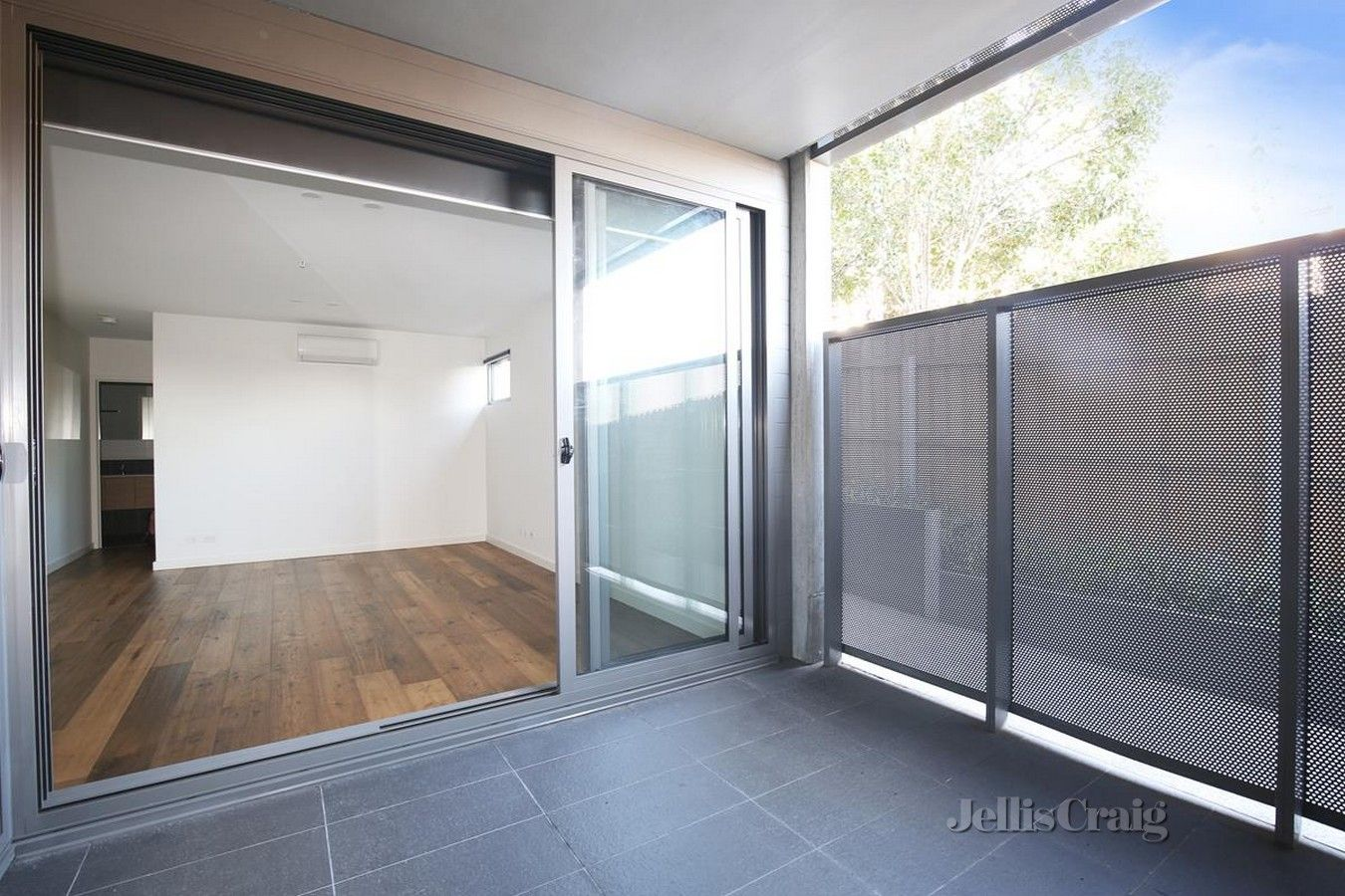 1/1 Davidson Street, South Yarra VIC 3141, Image 2