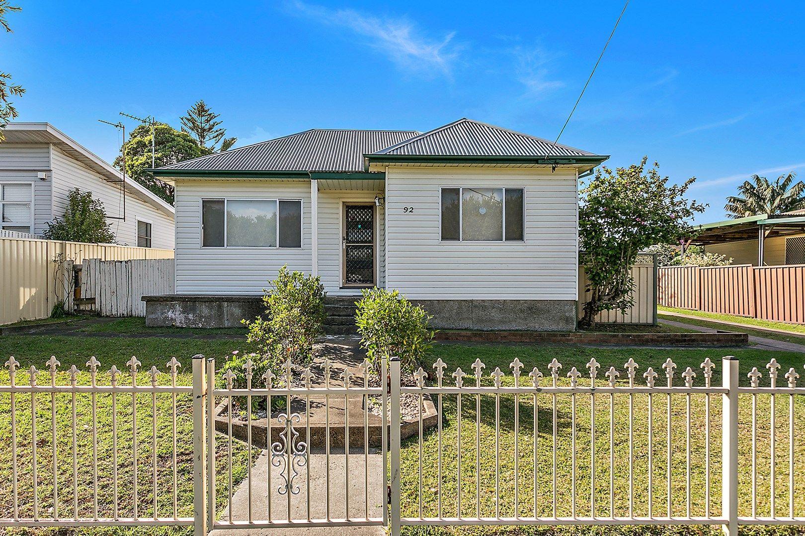 92 Fisher Street, Oak Flats NSW 2529, Image 0