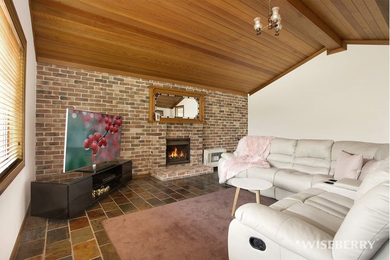 11 Hayley Close, Tumbi Umbi NSW 2261, Image 2