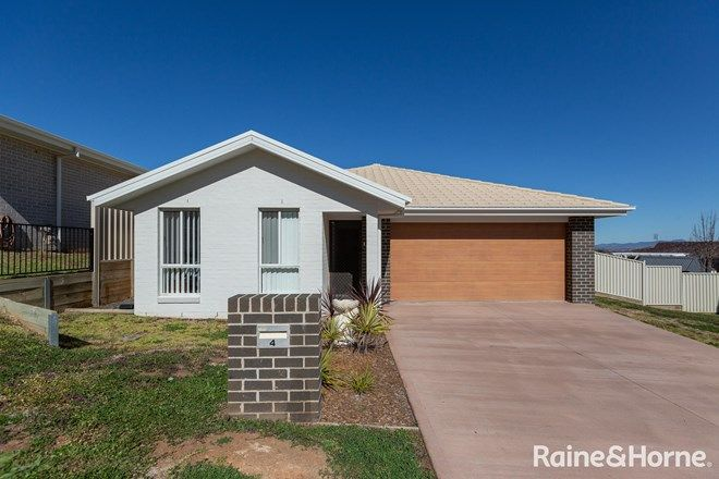 Picture of 4 Scarborough Close, TAMWORTH NSW 2340