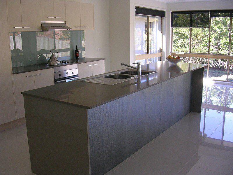 4 Wesley Place, Sinnamon Park QLD 4073, Image 2