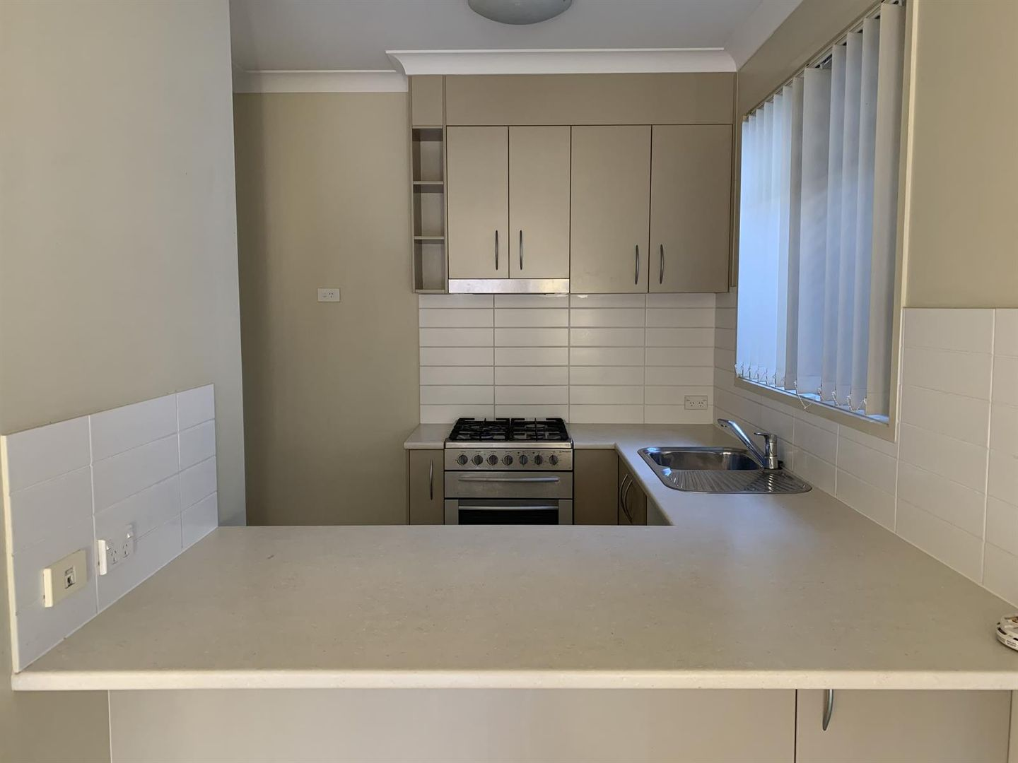16 Hyde Ave, Springfield Lakes QLD 4300, Image 1