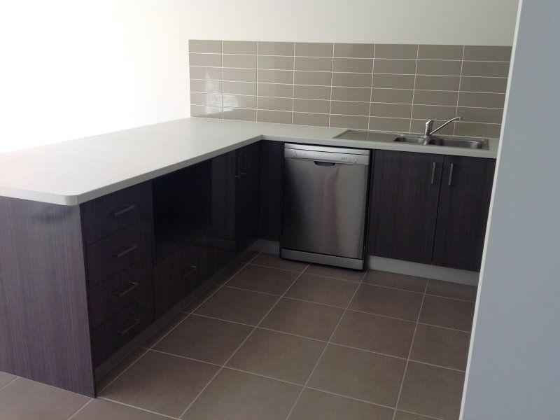 2/8 East Street, Kingston QLD 4114, Image 1
