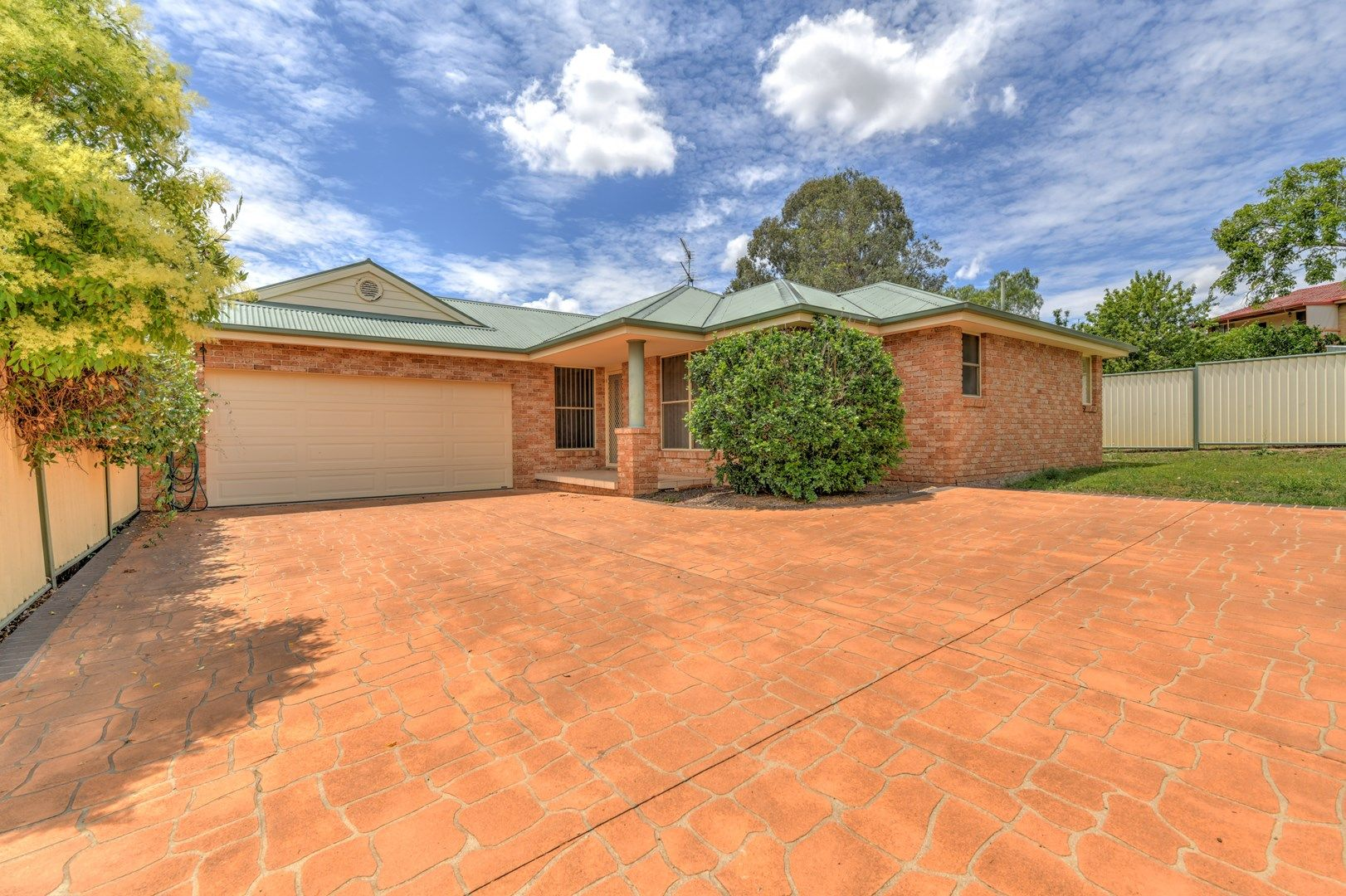 2/45 Peregrine Avenue, Tamworth NSW 2340, Image 0