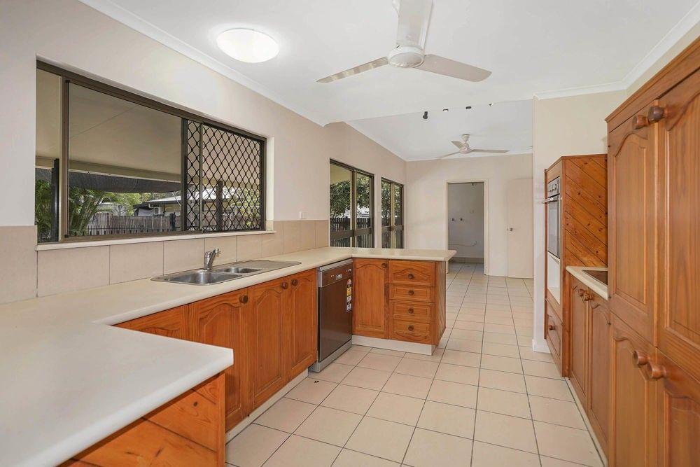 24 Meston Crescent, Brinsmead QLD 4870, Image 1