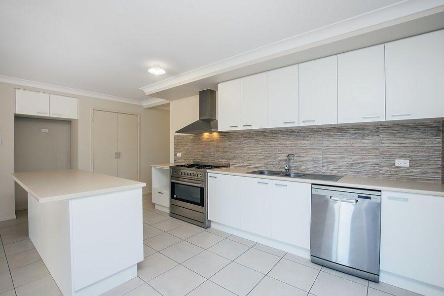 5 Isaac St, Upper Coomera QLD 4209, Image 2