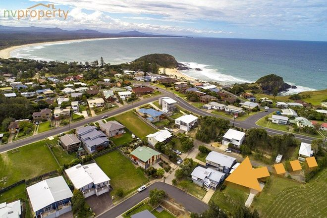 Picture of 30 McLeod  Drive, SCOTTS HEAD NSW 2447