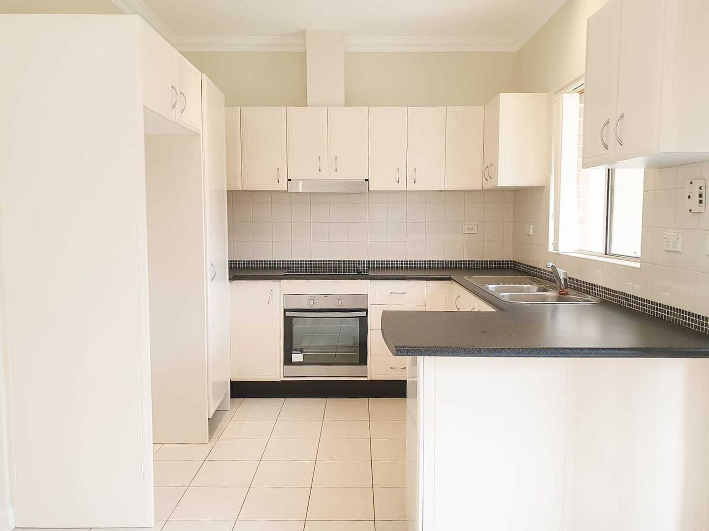 3/76 Kennedy Street, Picnic Point NSW 2213, Image 1