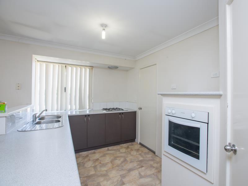 110 Braidwood Drive, Australind WA 6233, Image 2