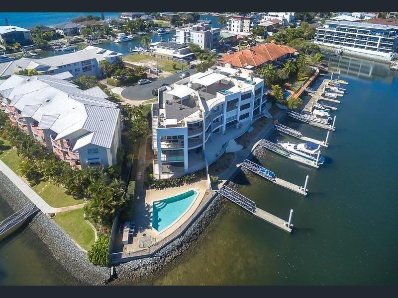 7/18 Canal Avenue, Runaway Bay QLD 4216, Image 0