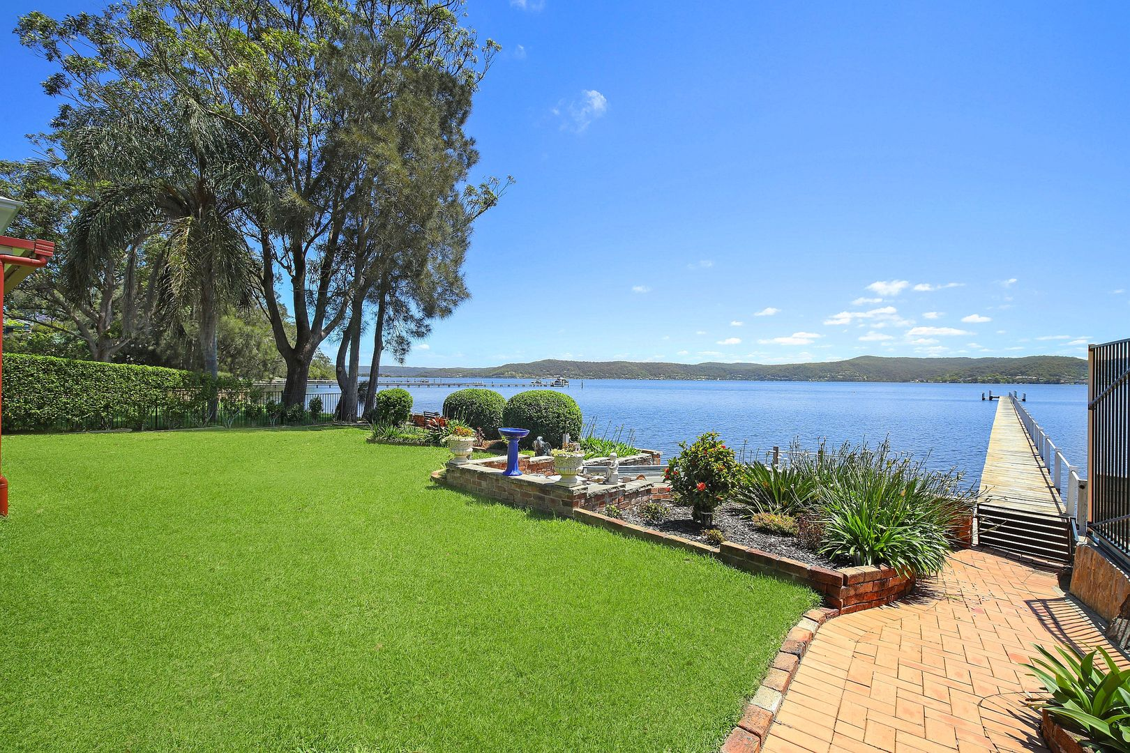 269 & 269A Avoca Drive, Green Point NSW 2251, Image 2