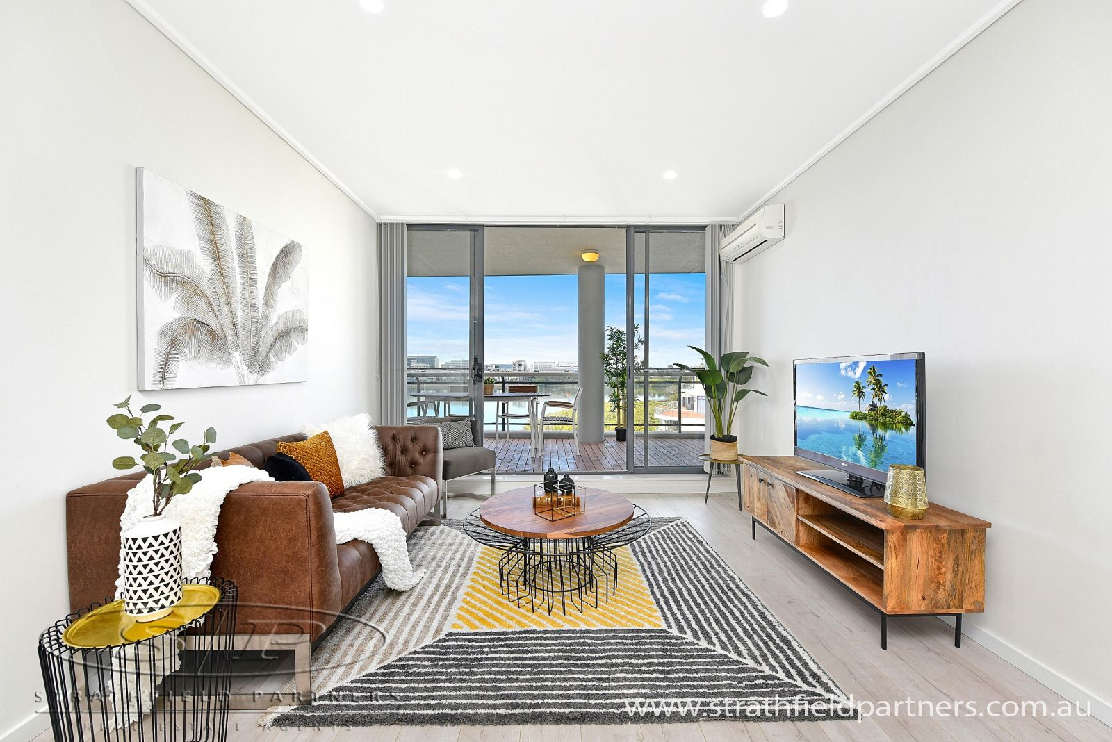 18/27 Bennelong Parkway, Wentworth Point NSW 2127, Image 2