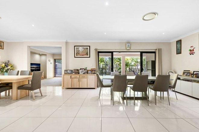 Picture of 4 Twin Lakes Drive, MURRUMBA DOWNS QLD 4503