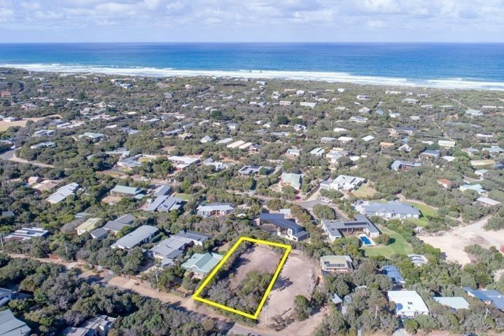 18 Alex Drive, St Andrews Beach VIC 3941, Image 0