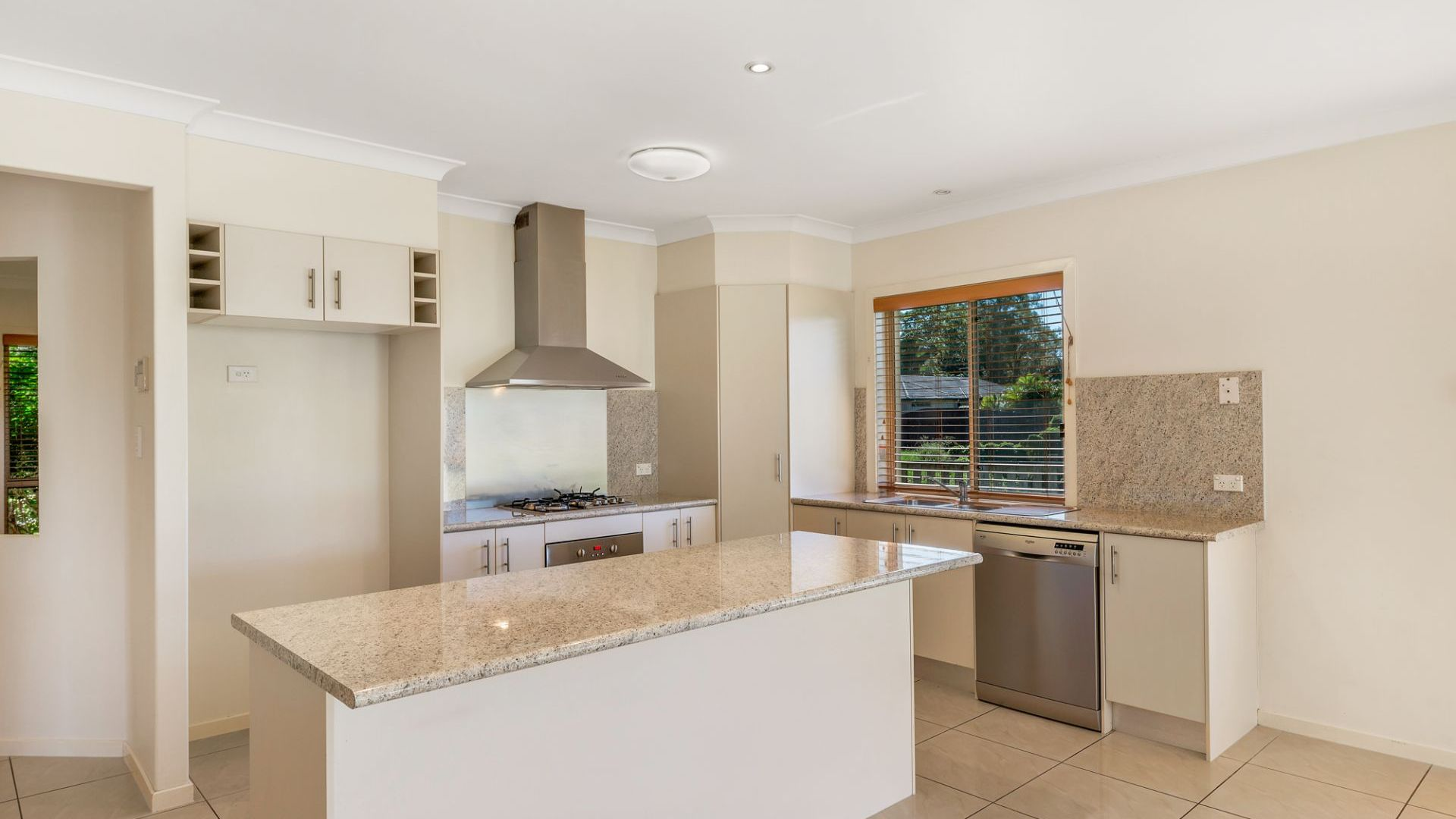 6 Moloney Place, Bellmere QLD 4510, Image 2