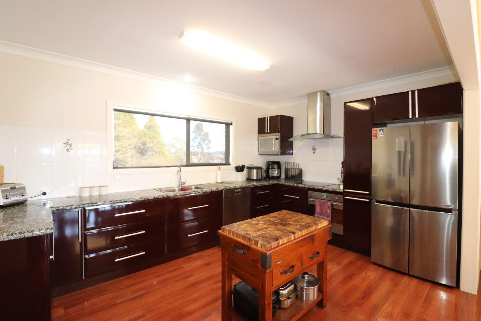 19 Bates, Glen Innes NSW 2370, Image 2