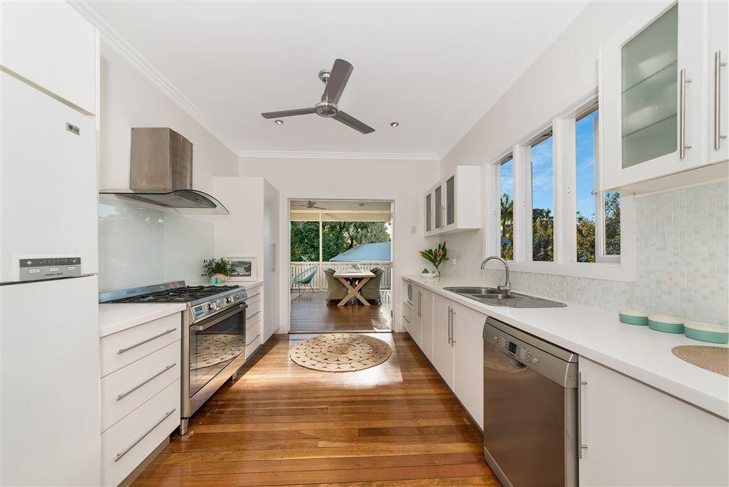 7 Batt Street, Hyde Park QLD 4812, Image 2