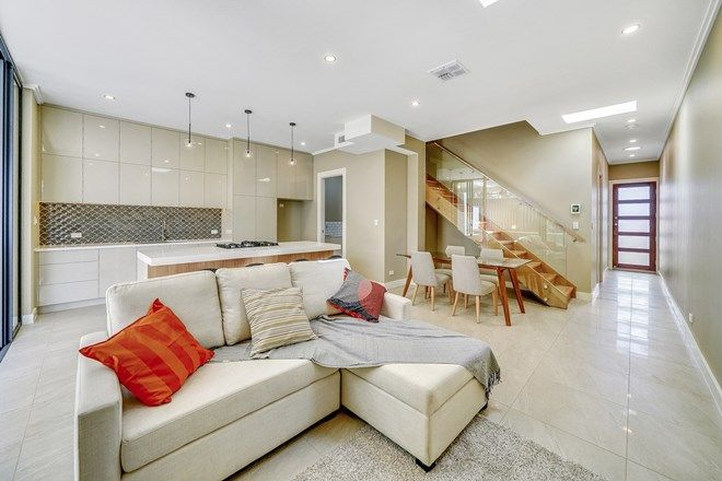 Picture of 34 Salstone Street, KANGAROO POINT QLD 4169