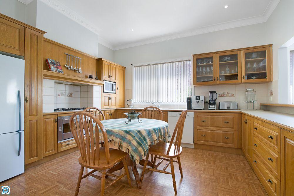 27 Jutland Avenue, Wollongong NSW 2500, Image 2