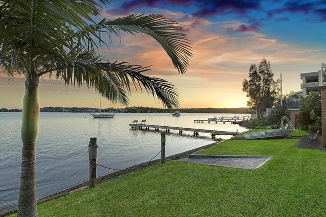 Picture of 30 Sealand Road, FISHING POINT NSW 2283