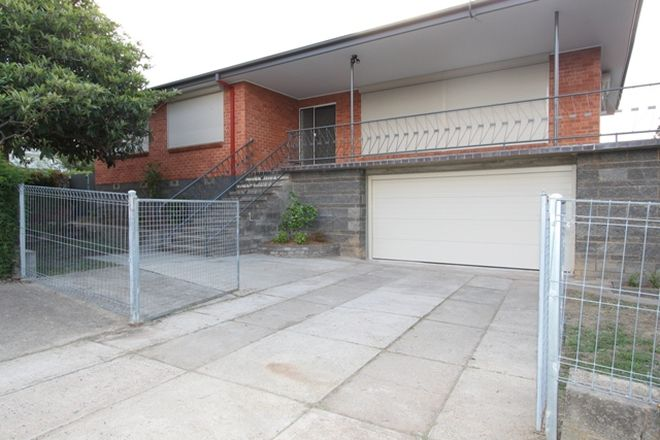 Picture of 11 Greenbank Avenue, QUEANBEYAN NSW 2620