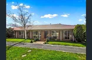 Picture of 1 Lynda Court, Doncaster East VIC 3109