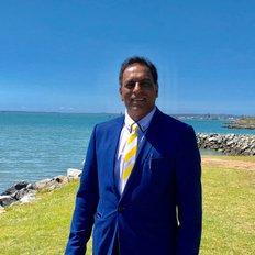 Danny Kumar, Licenced Sales Agent