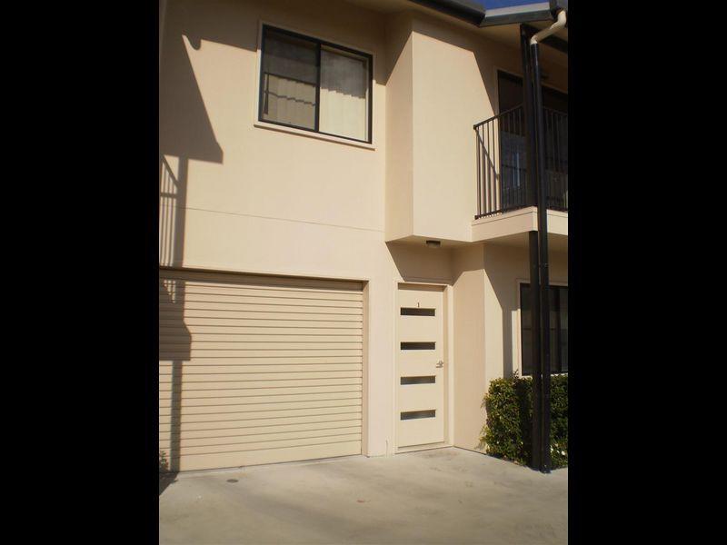 5/34 Poole Street, Bowen QLD 4805, Image 1