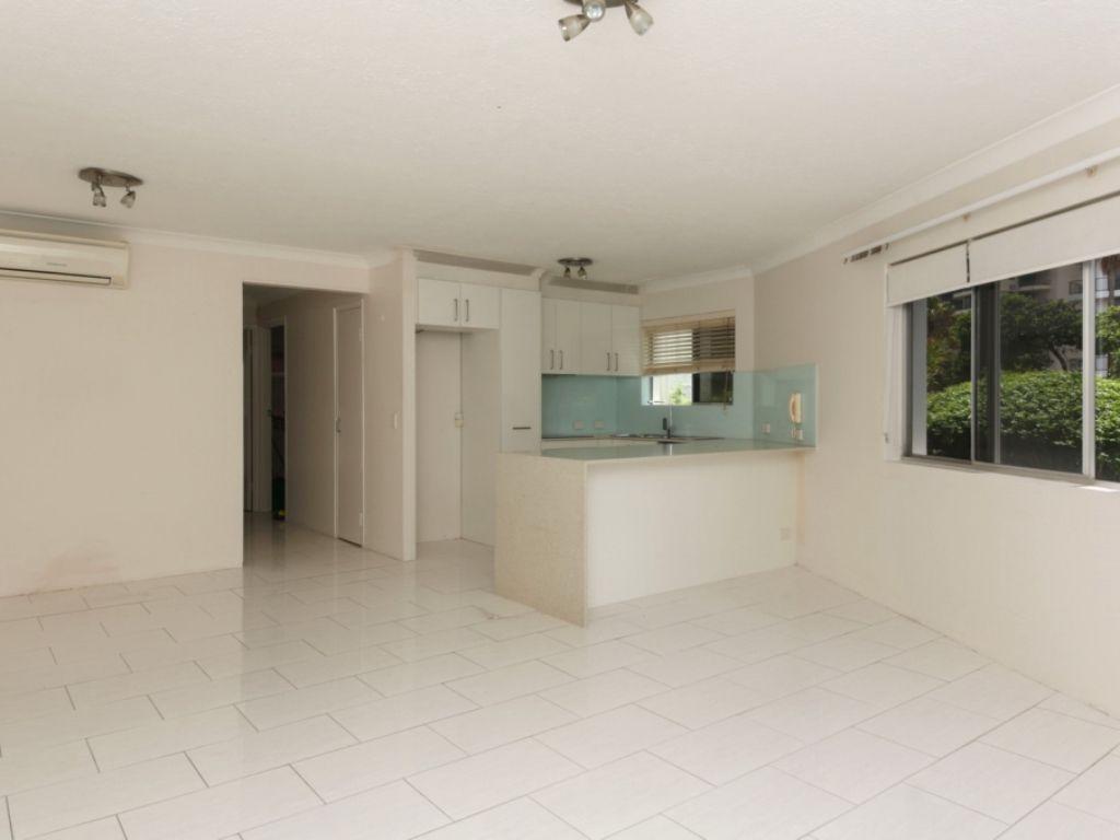 4/5 Australia Avenue, Broadbeach QLD 4218, Image 2