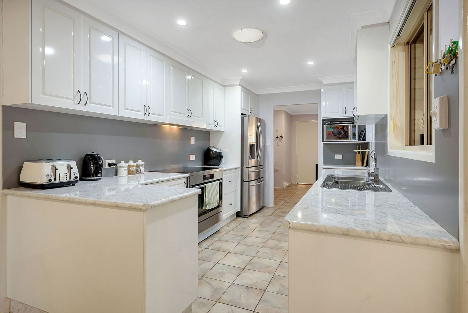 21 Shannon Court, Oakey QLD 4401, Image 2