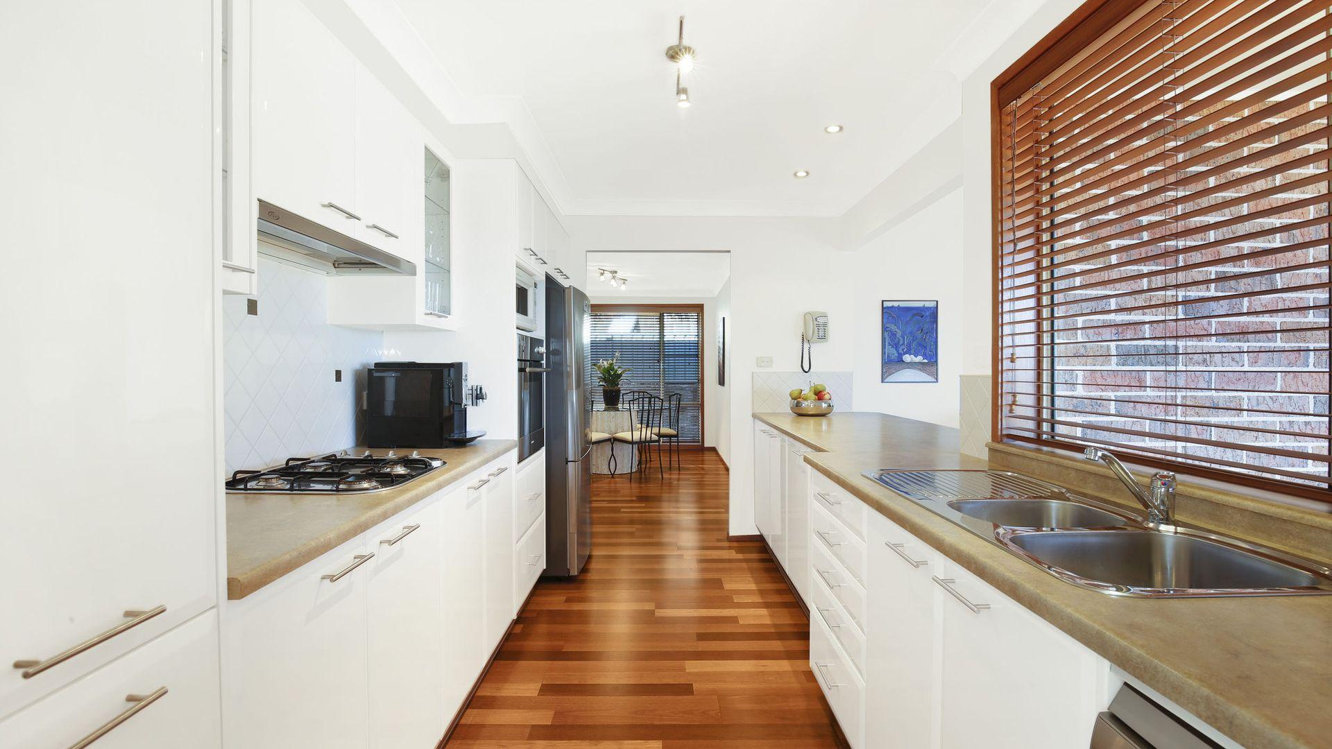 17 Whimbrel Avenue, Berkeley NSW 2506, Image 2