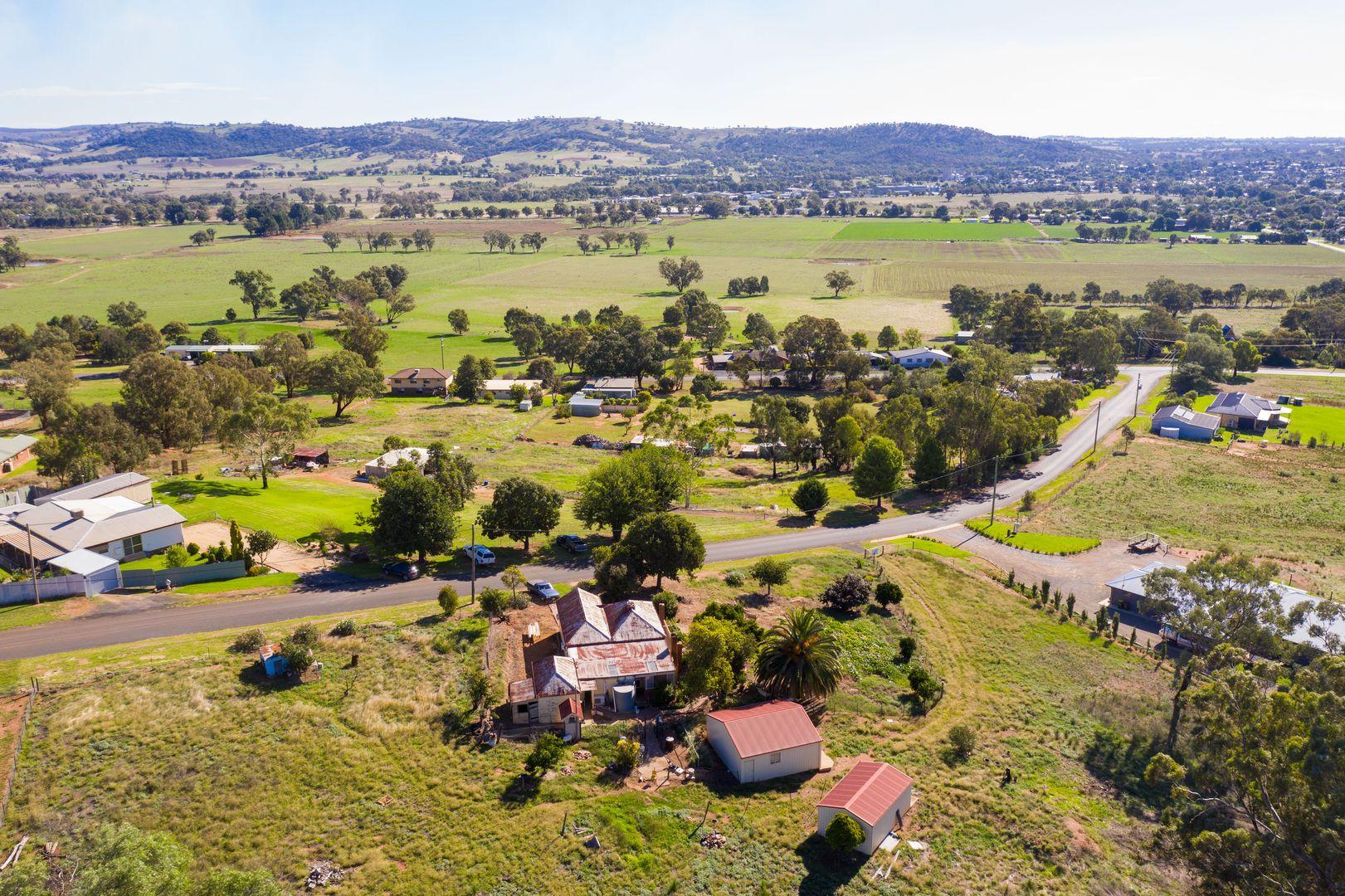 21 Pinkerton Lane, Cootamundra NSW 2590, Image 2