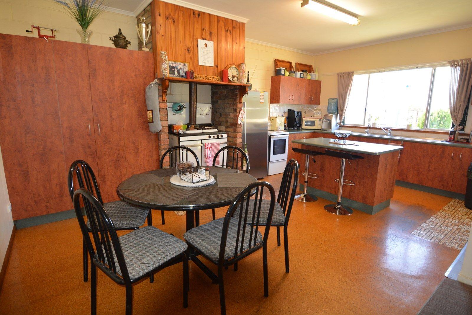 156 Warner St, Rosenthal Heights QLD 4370, Image 2