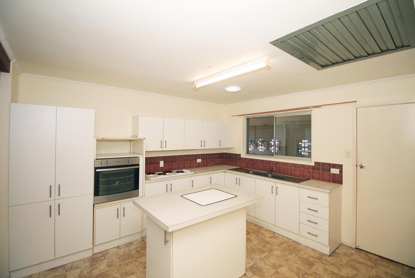 9 Daley Street, Heatley QLD 4814, Image 2