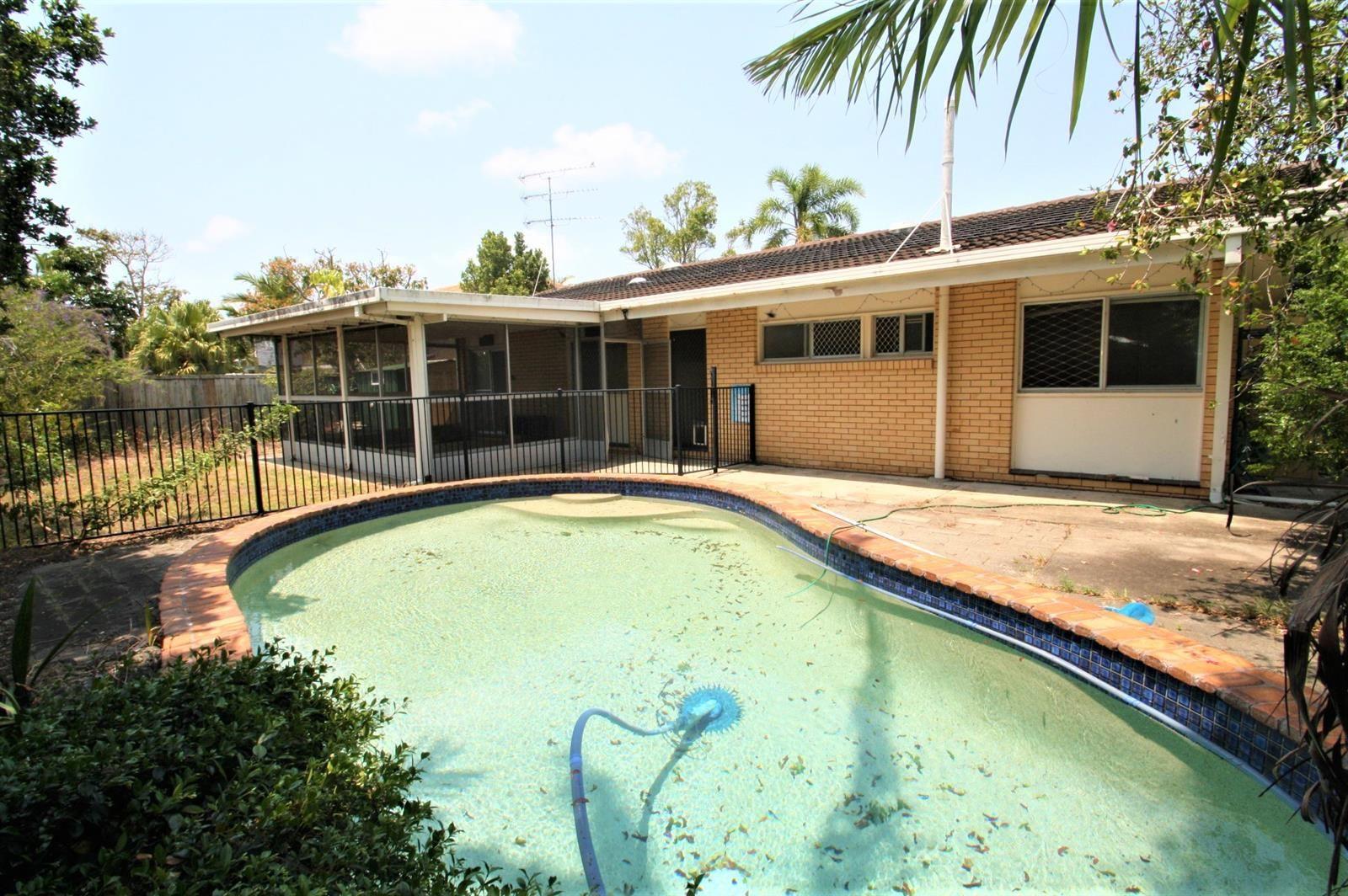 13 Runaway Bay Avenue, Runaway Bay QLD 4216, Image 1