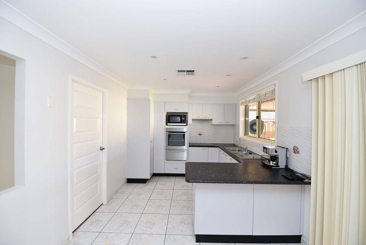 32 Braidwood Drive, Prestons NSW 2170, Image 1