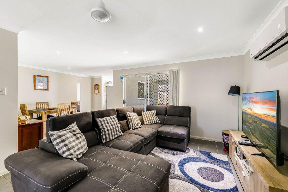 15 Adelaide Street, Cranley QLD 4350, Image 2