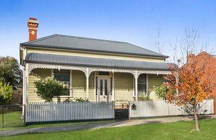 Picture of 1/11 Neale Street, Kennington VIC 3550