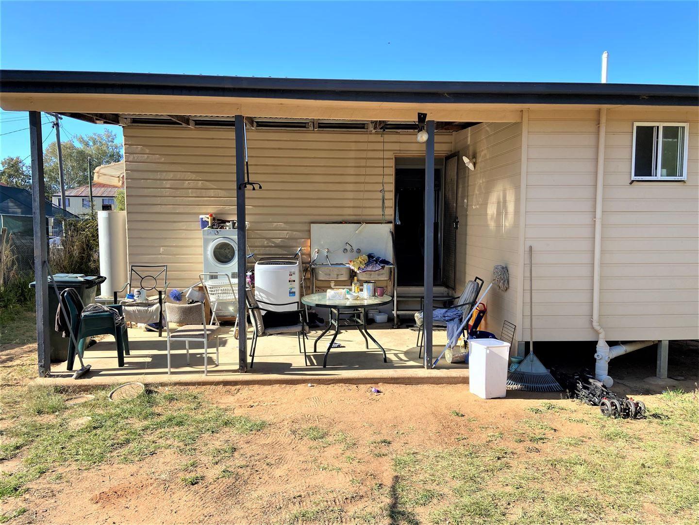 89 Edward Street, Charleville QLD 4470, Image 2