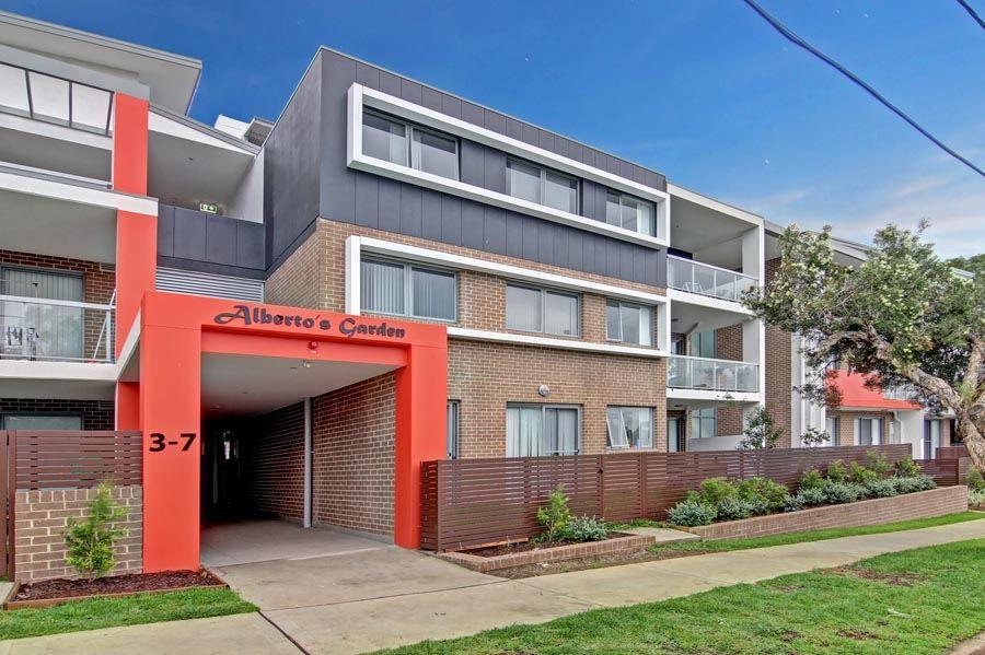 11/3-7 Gover Street, Peakhurst NSW 2210, Image 1