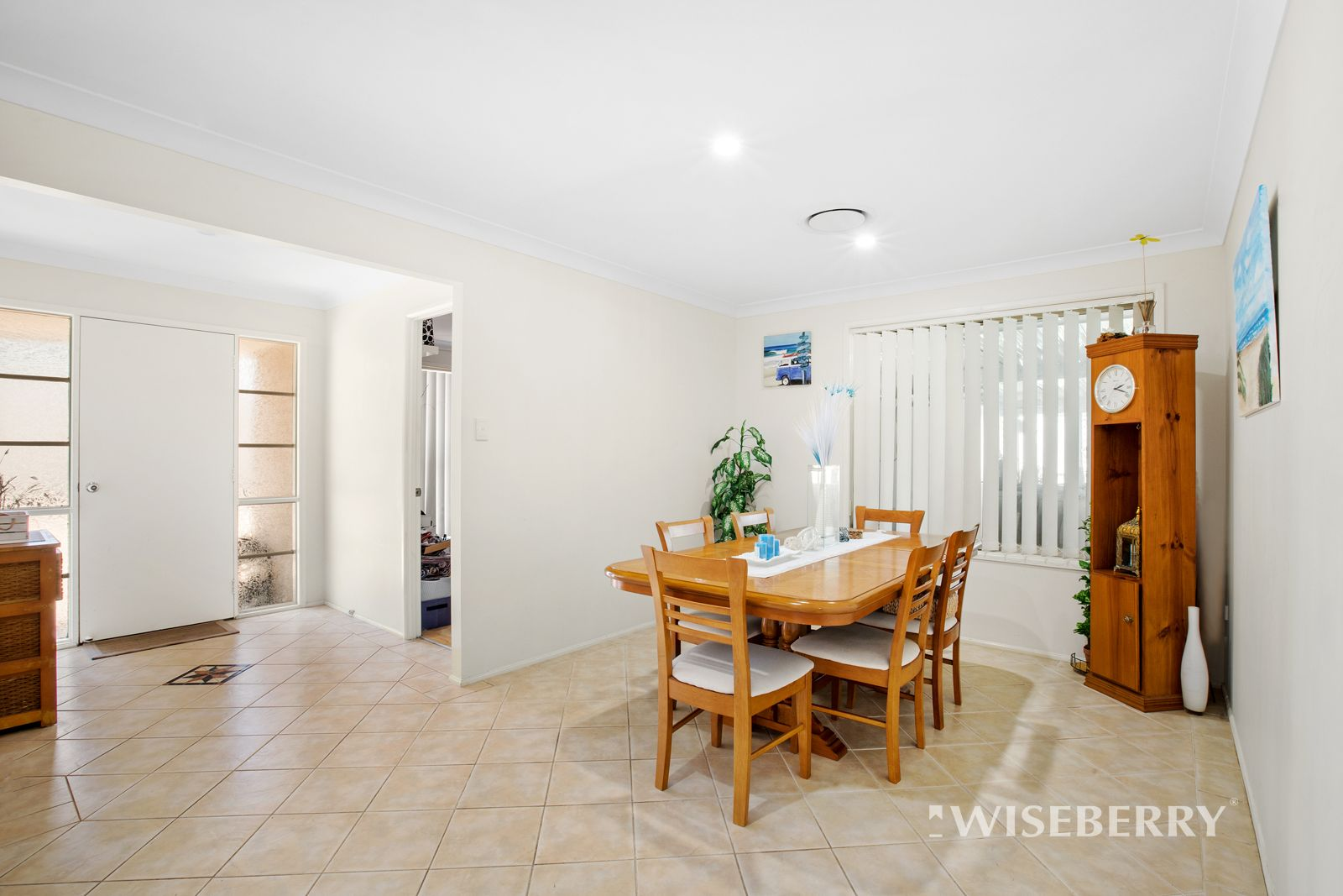 4 Coverdale Close, Lake Haven NSW 2263, Image 2