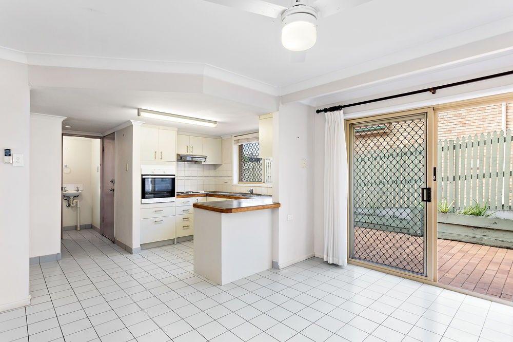 1/24 Garden Terrace, Newmarket QLD 4051, Image 2