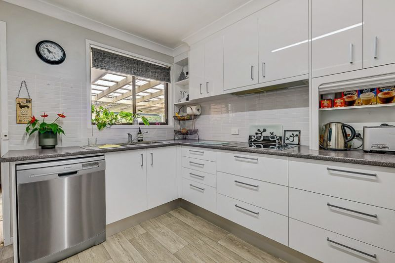 8 Watts Close, Singleton NSW 2330, Image 1
